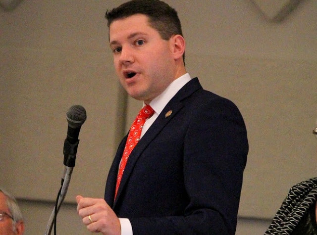 Anti-Gay Lawmaker Forced To Resign After Caught Having Gay Sex  Dnb Stories-9966