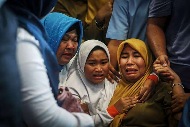 Indonesian plane crashes into sea, all 189 on board feared dead