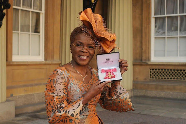 People are living for Igbo woman's outfit to the Buckingham Palace
