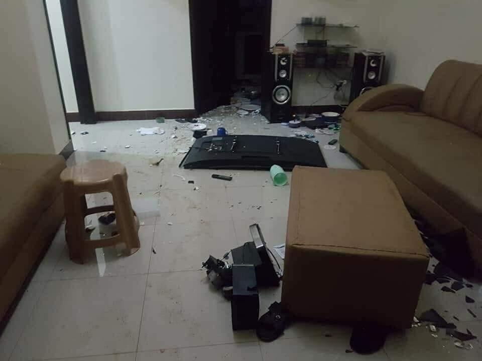 [PHOTOS] Nigerian lady destroys her cheating boyfriend's house