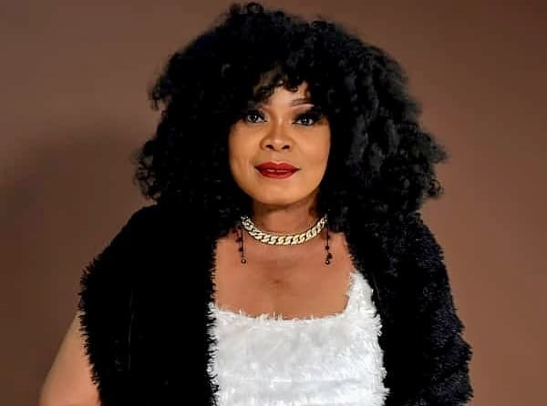 Nollywood actress Chinyere Wilfred cries over mom's death