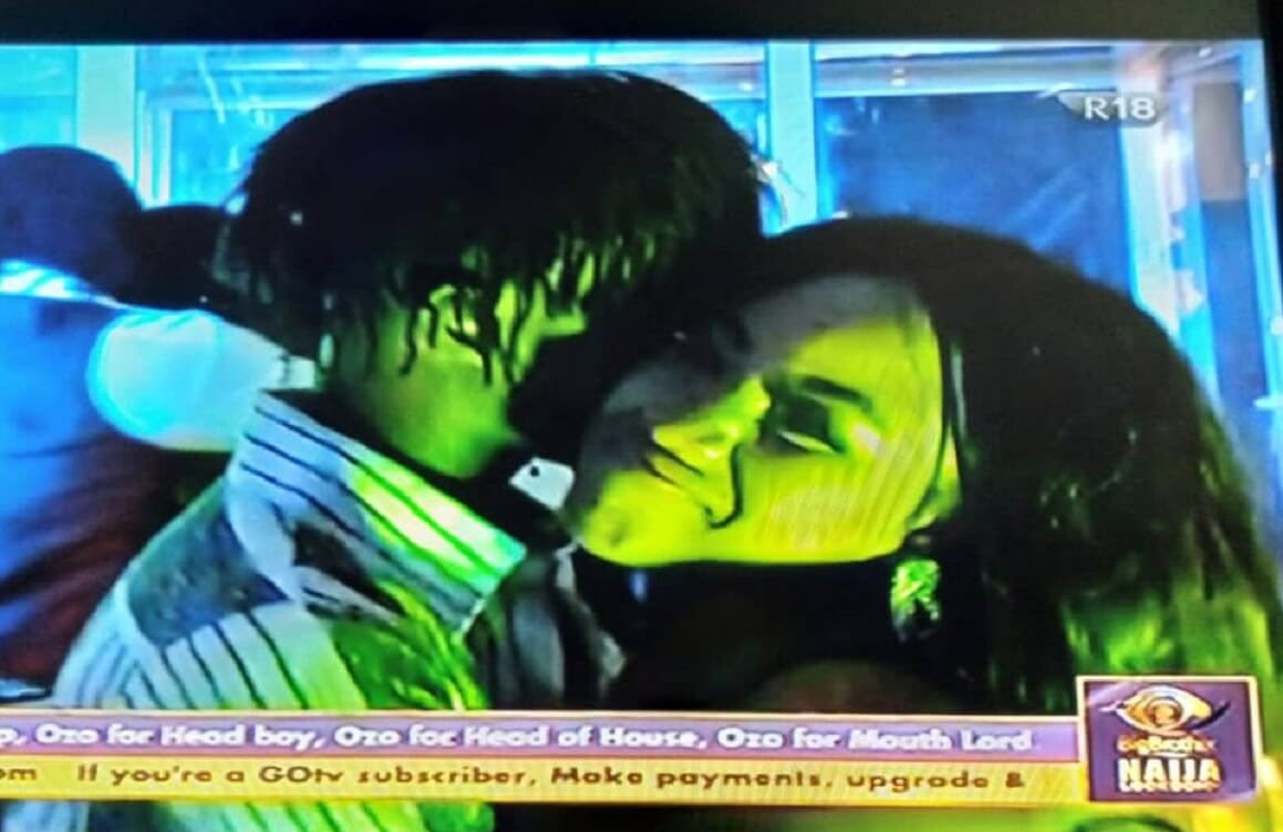 Watch video where Erica tried to kiss Laycon at Saturday night party