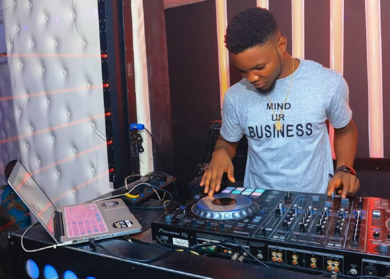 Full biography of Nigerian DJ and music artist DJ Kelblizz