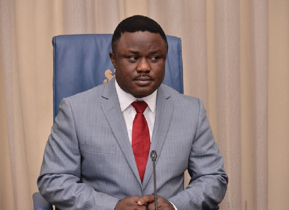 Cross River governor Ayade orders house to house search of looted items