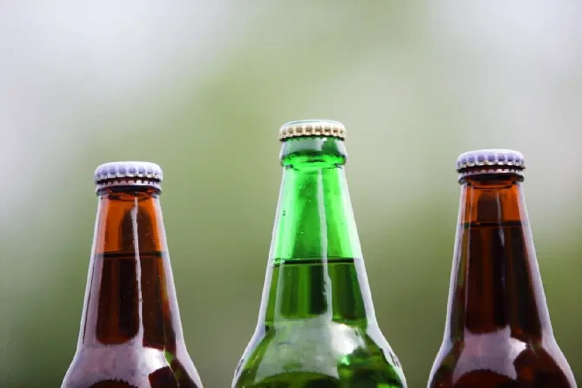 Experts explain why beer bottles are mostly green or brown in colour