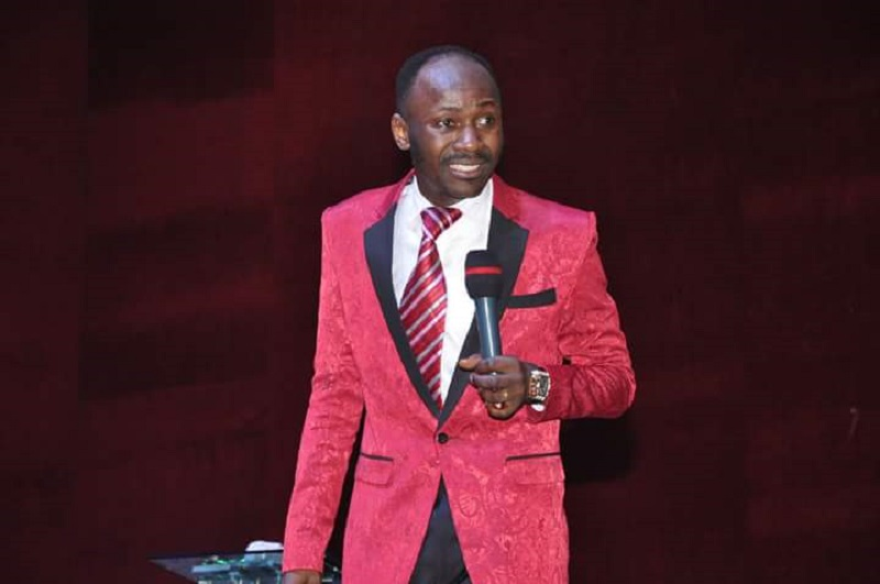 Pastor accuses Apostle Suleman of sleeping with his wife